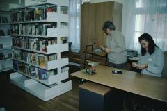 Renoviertes GdeHaus, Nebengebäude, Frauen Fahrni + Baumgartner, Schüler Bibliothek