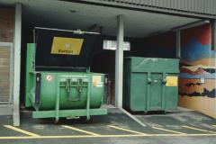 Karton- und Altpapier-Container