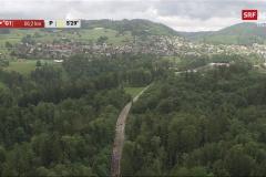 TdS-2021. Der Hauptfeld durchquert den Chämtnerwald, imHG Adetswil, Aemet, das Dorf und das Schürli.