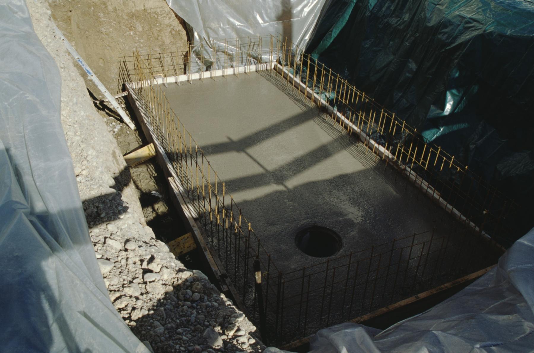 Dampfbahn Verein, Baugrube für Stellwerk, betonierter Boden