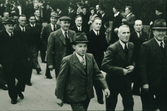 Bahneinweihung 1947, Umzug, Fahnendelegation