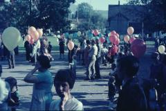 Bahnfest 1947, Schulhausplatz, Kinder mit Ballonen