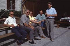 Diräkt us Bäretswil, Kurt Hobi, Hans Kohler, Walter Wolf, Gemeinderat Röbi Rüegg (stehend)