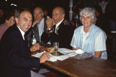 Diräkt us Bäretswil, Dölf Fenner, … Ernst Isler, Gde-Ammann, Frau Fenner