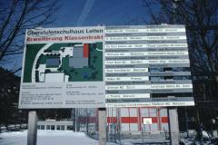 Schulhauserweiterung Letten, Baureklame