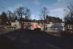 Oberstufenschulhaus Letten, Schulbaracken auf dem Turnplatz während Sanierung