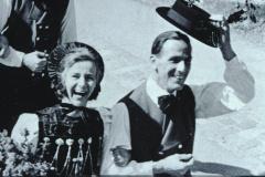 Frau Baer u. Eugen Francesconi, Schulhauseinweihung