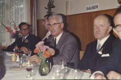 Schulhaus Adetswil Einweihung, Hugo Grimmer, G. Keller, Hollenweger (Visitator), Ernst Stutz GdePräsi