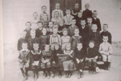 Schule Neuthal 1905