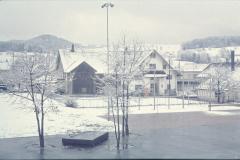 Schulhaus Dorf Schulhausplatz