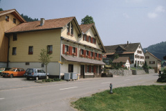 Restaurants in Bettswil, vorne Halde, hinten Rest. Walder