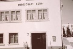 Gottlieb Walder, Restaurant. Bis ca. 1960 Wirtschaft Walder genannt, auch ,Glärnischblick', nach der Renov. ca 1960 Wirtschaft Berg.