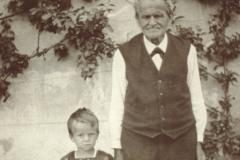 Gottlieb Walder 1850-1938, Wirt Wirtschaft Walder (Glärnischblick), mit Enkel Hansjörg
