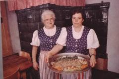 Bergrestaurant Sunehof, Margrit Zangger + Tochter Margrit Spörri-Zangger