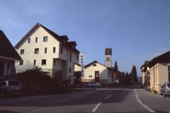 Neue Gebäude und Kirche