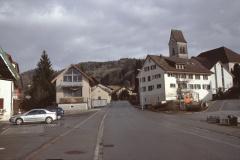 Adetswilerstr, beim Landi mit lk Ochsen, ref. Kirche