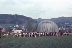 Ballon Landung auf der Wiese von Hans-Ueli Walder