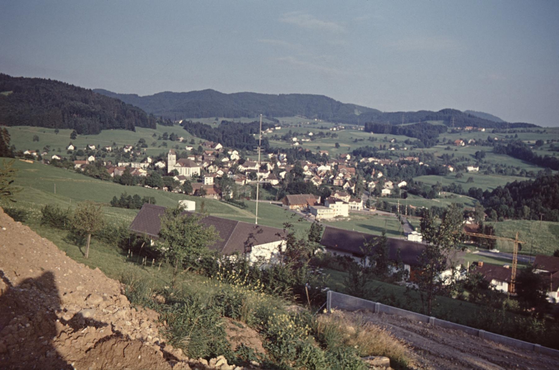 Ende der Rigistr, Blick auf's Dorf
