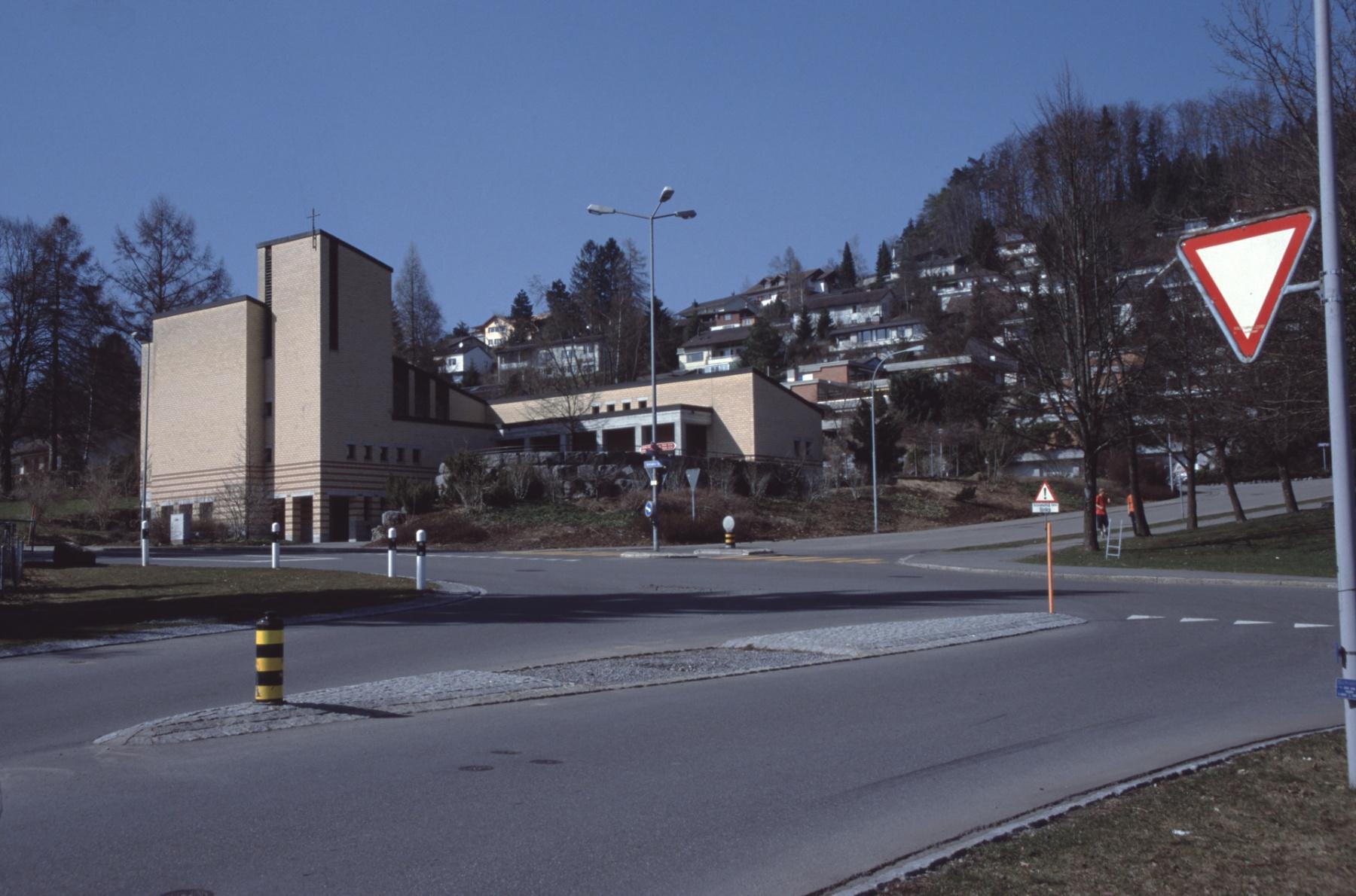 Lettenkreuzung mit kath. Kirche
