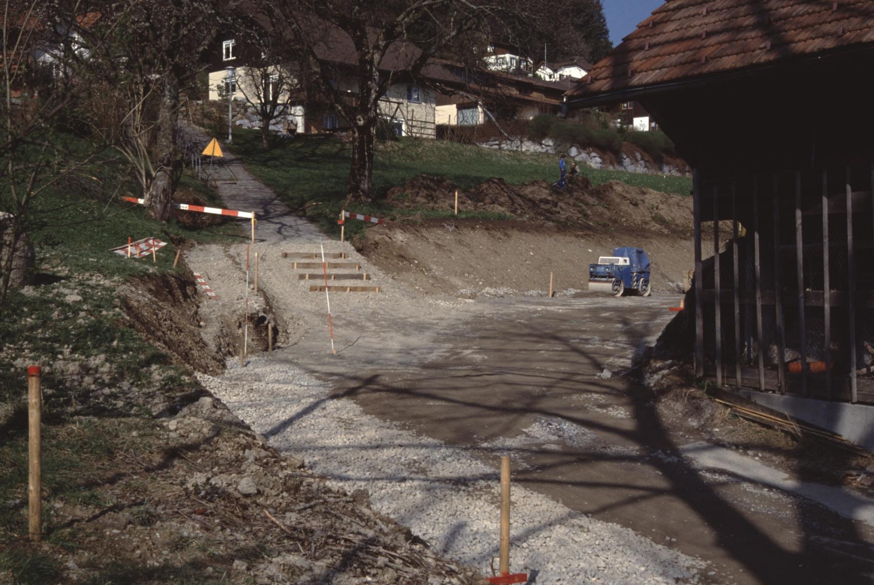Bau der Grundstrasse und Treppe zur Kehrstr