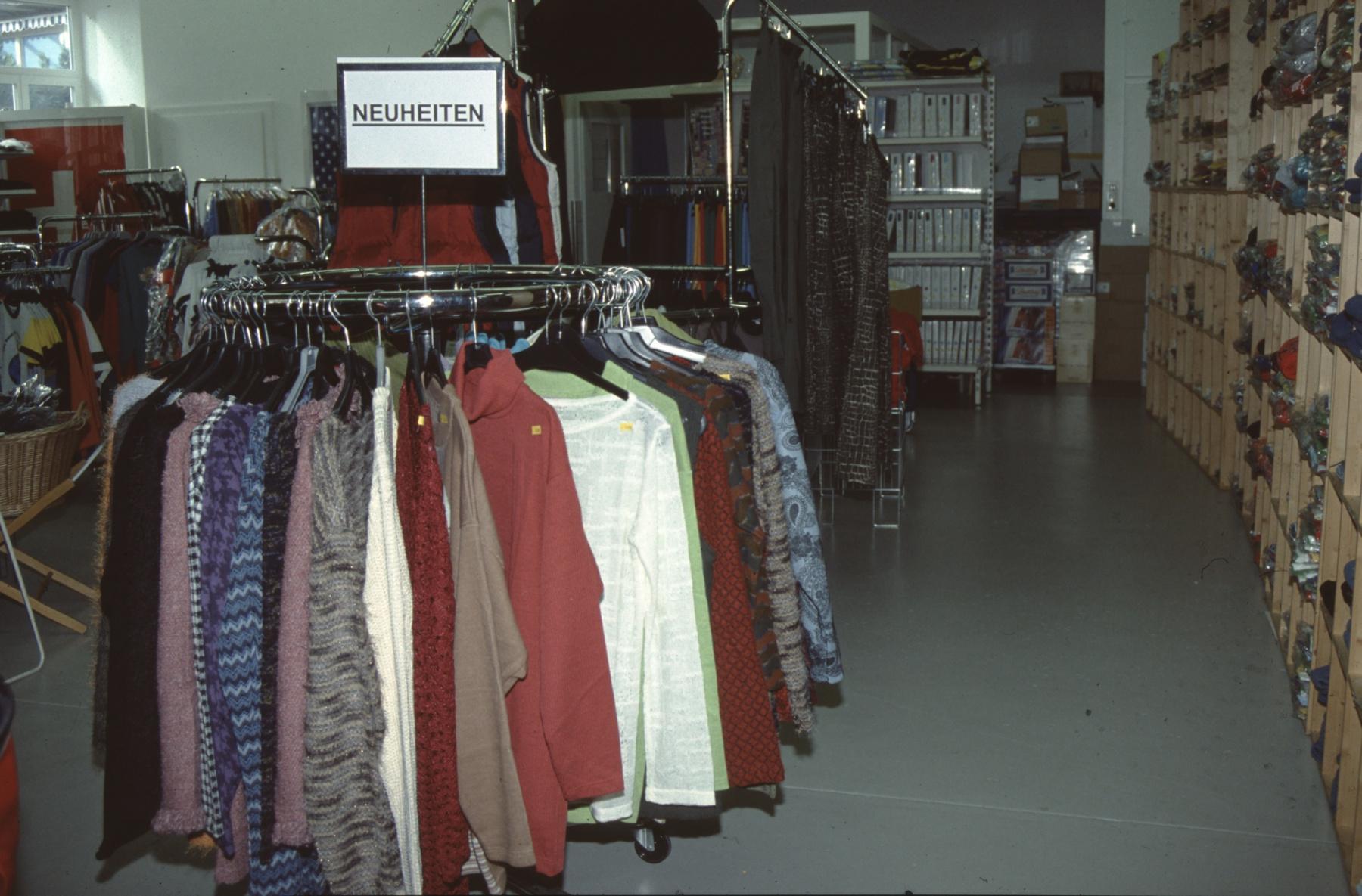 Schüfi's City Markt, Kleider Abteilung
