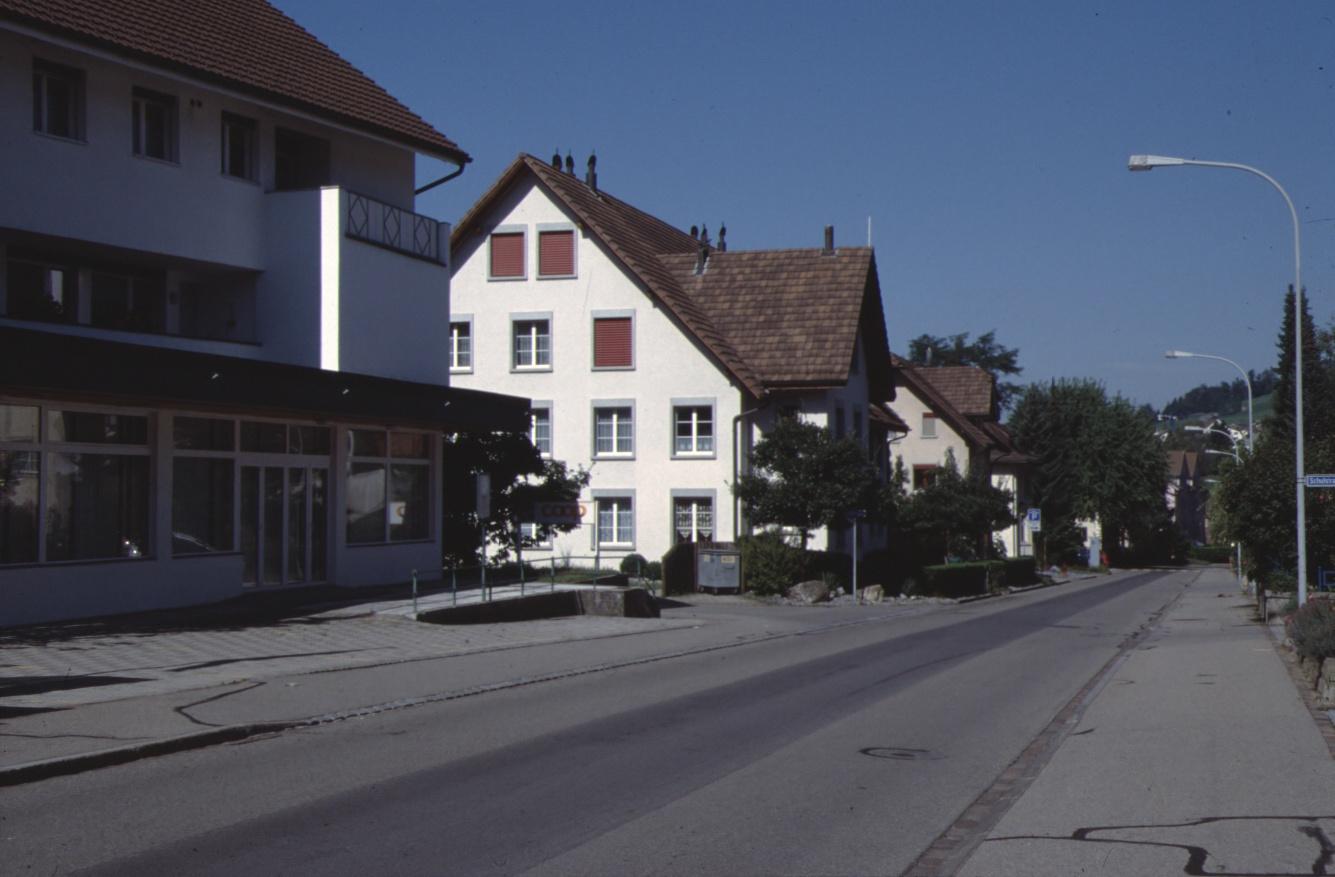 Bahnhofstr, alter Coop (Nr.9), neue Liegenschaft (Nr.11), ehemals Buchmann/Schneider Küng