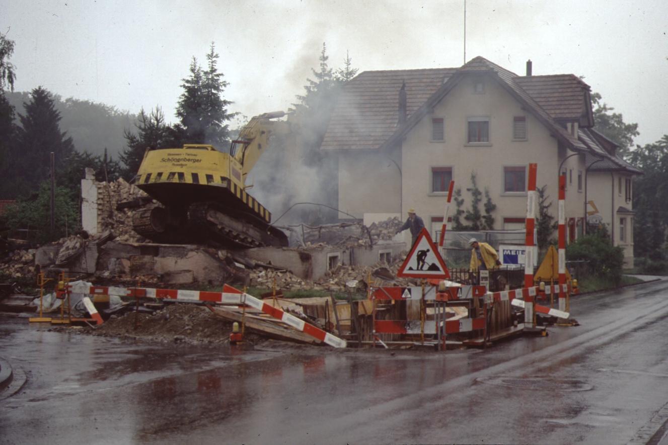 Bahnhofstr, Abbruch Haus Buchmann Feuerübung am 1. Juni