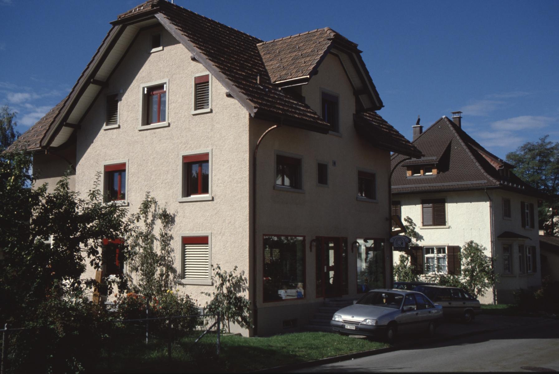 Bahnhofstr.13, Renoviertes Haus Elektro Brizzi