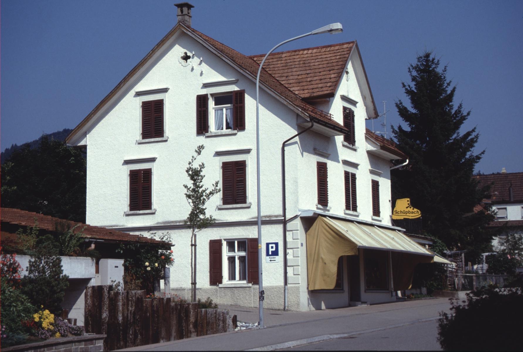 Bahnhofstr 8, Schuhaus Schüpbach (Anfangs August)
