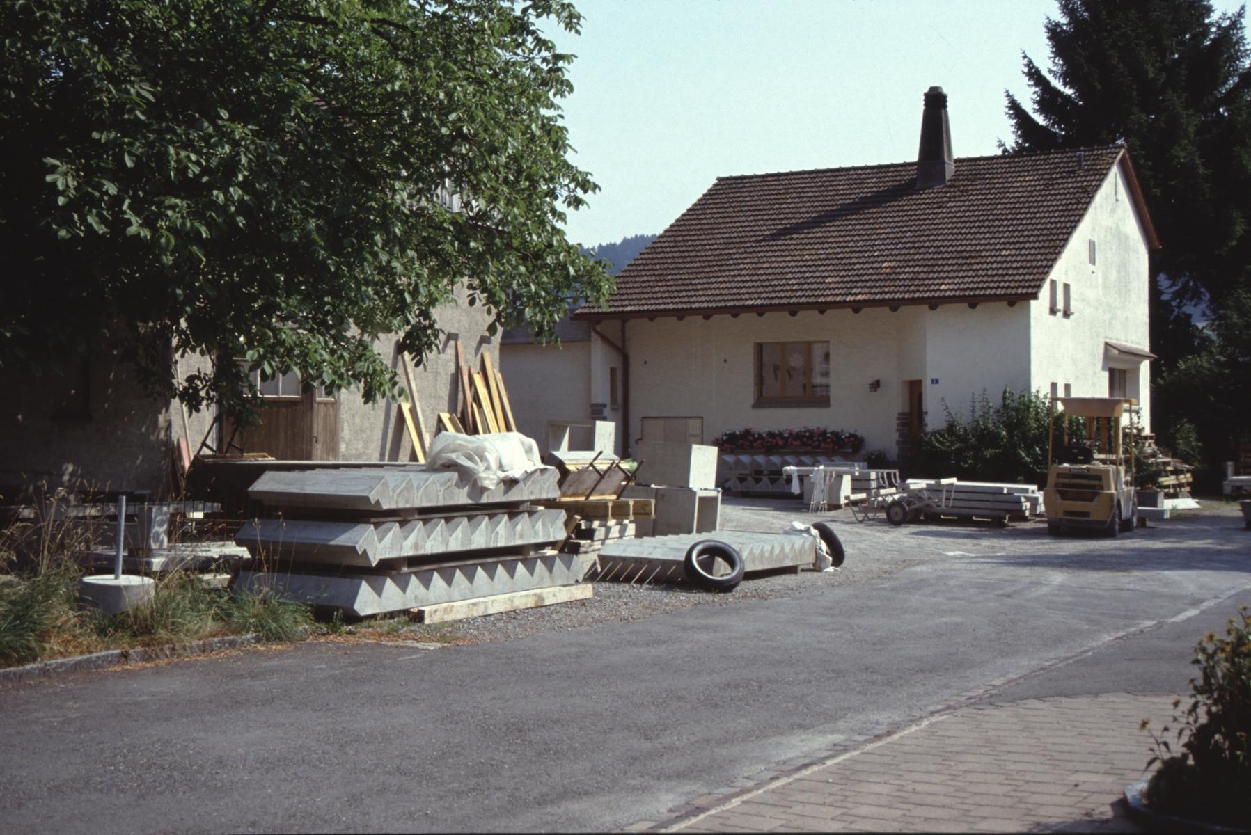 Friedhofstr 1, Betonelemente Boito