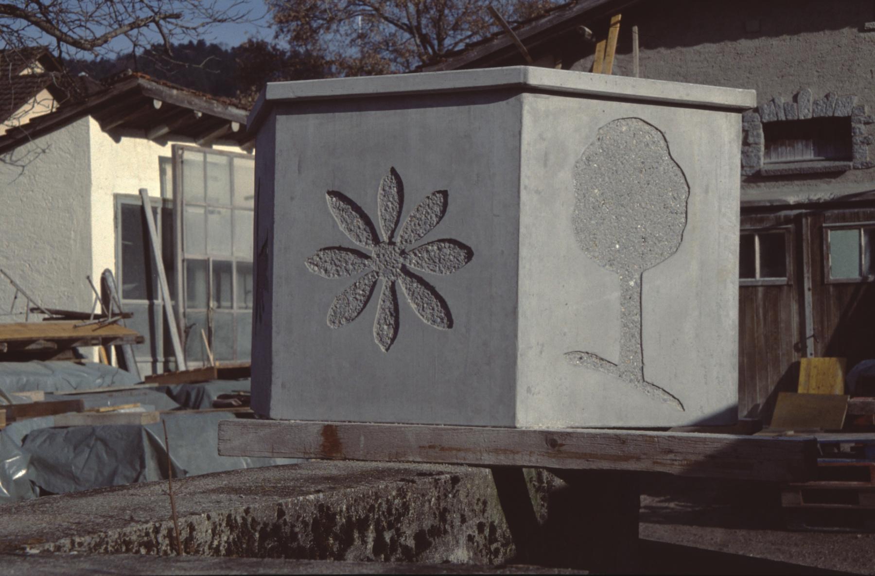 Boito Betonelemente Brunnentrog
