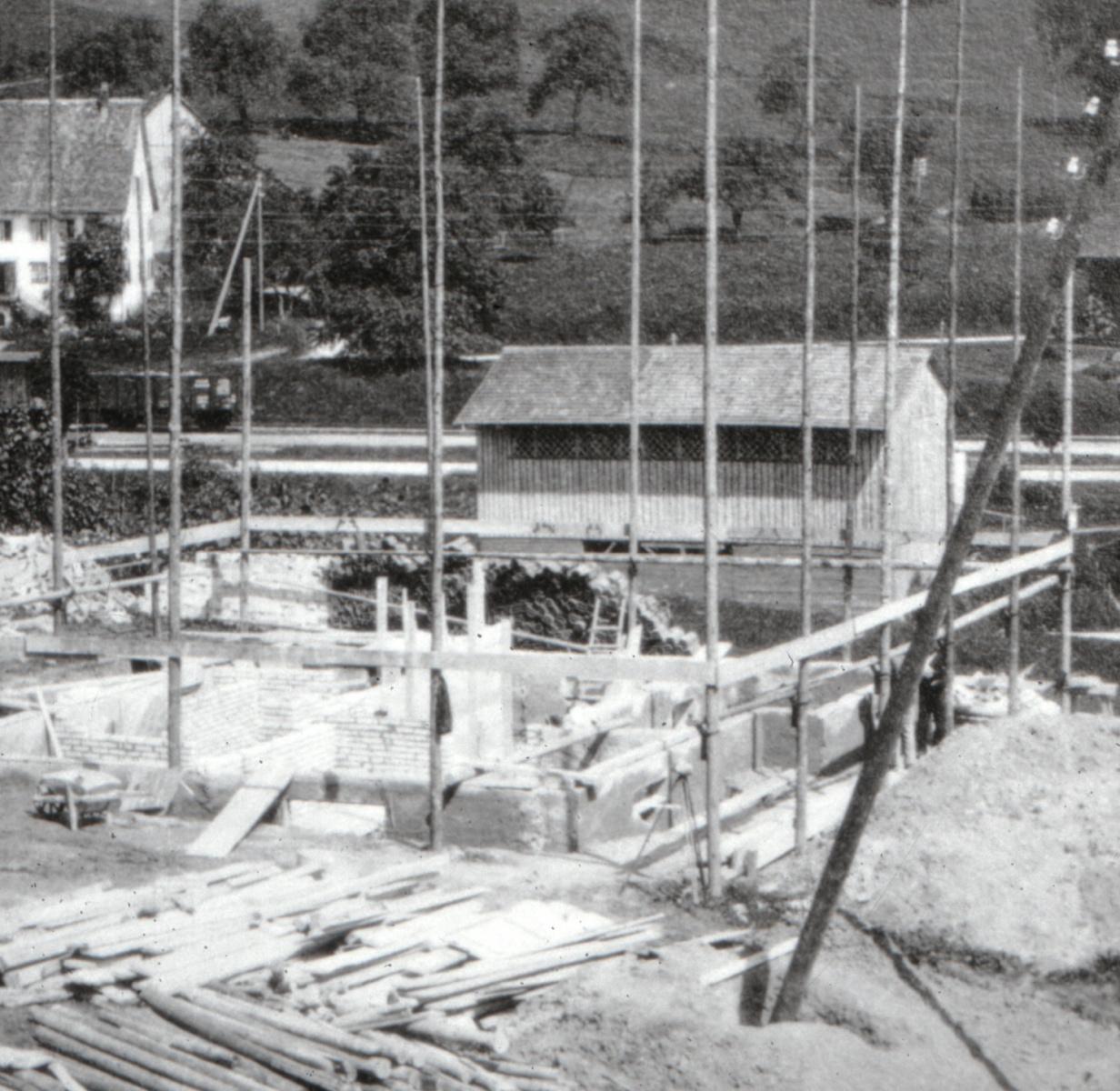 Bau der Kantonalbank, imHG Scheune Strittmatter Mineralwasser Hersteller