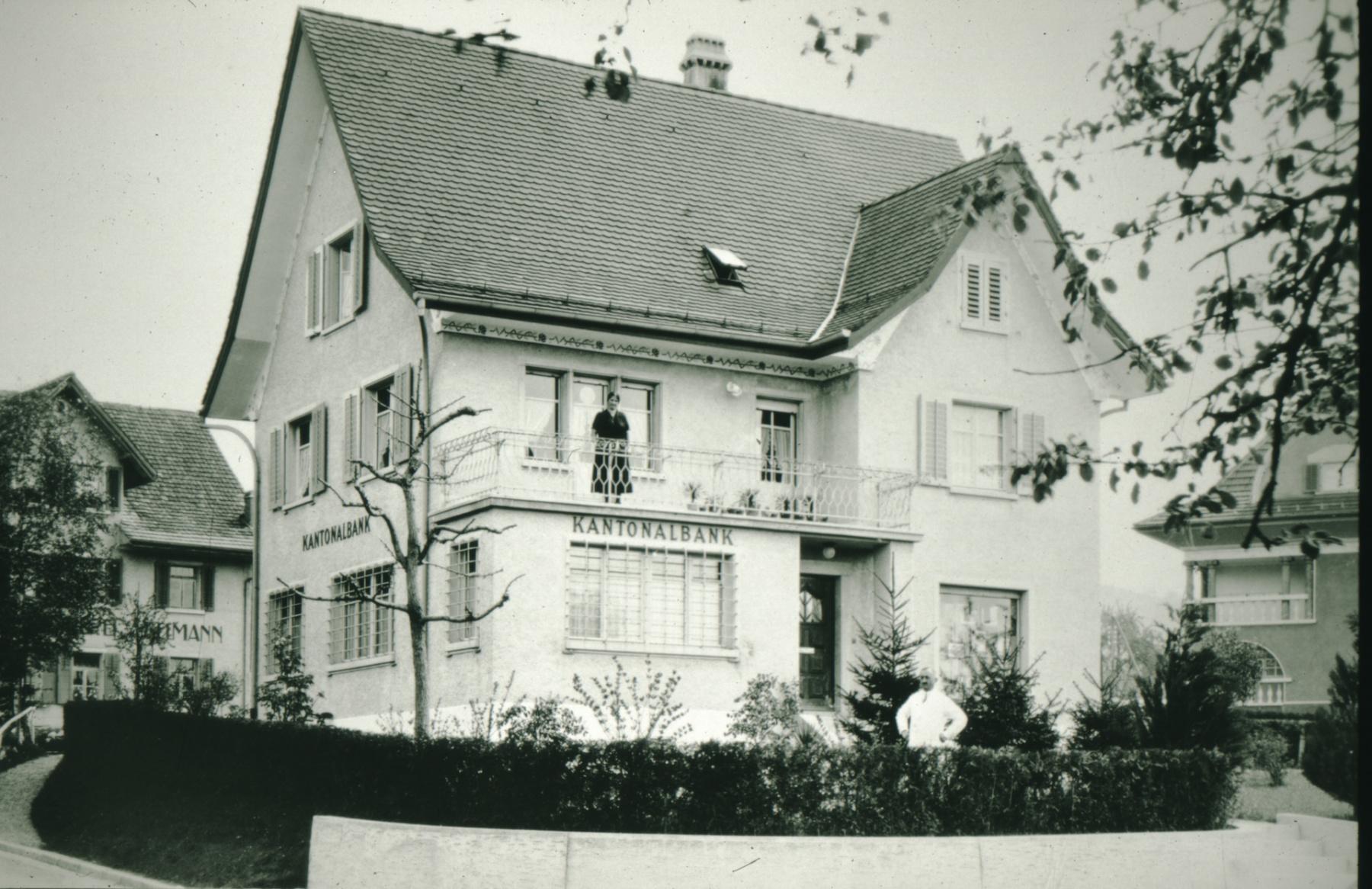 Bahnhofstr, Zürcher Kantonalbank (mit Bankdirektor Jakob Heusser und Sophie Heusser)