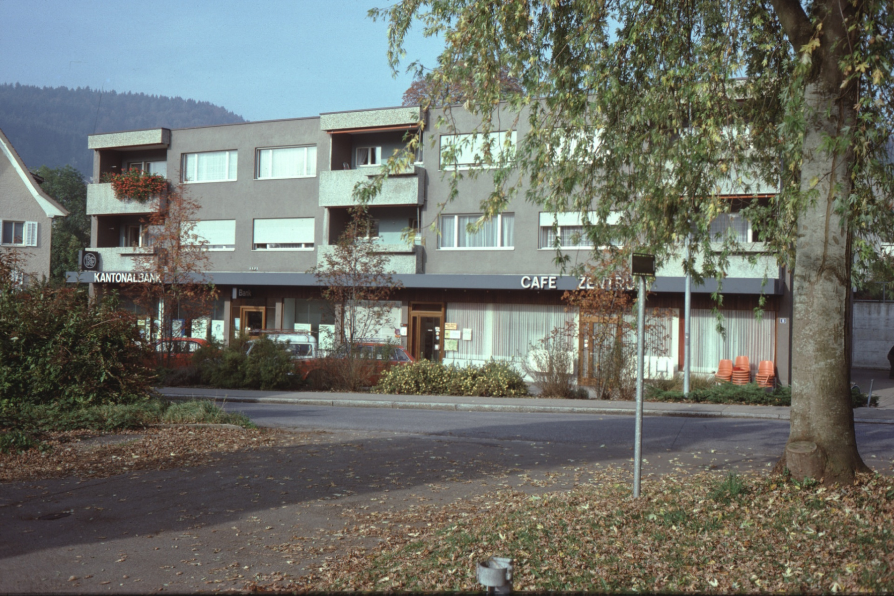 Kantonalbank ( Frontal, 1977)