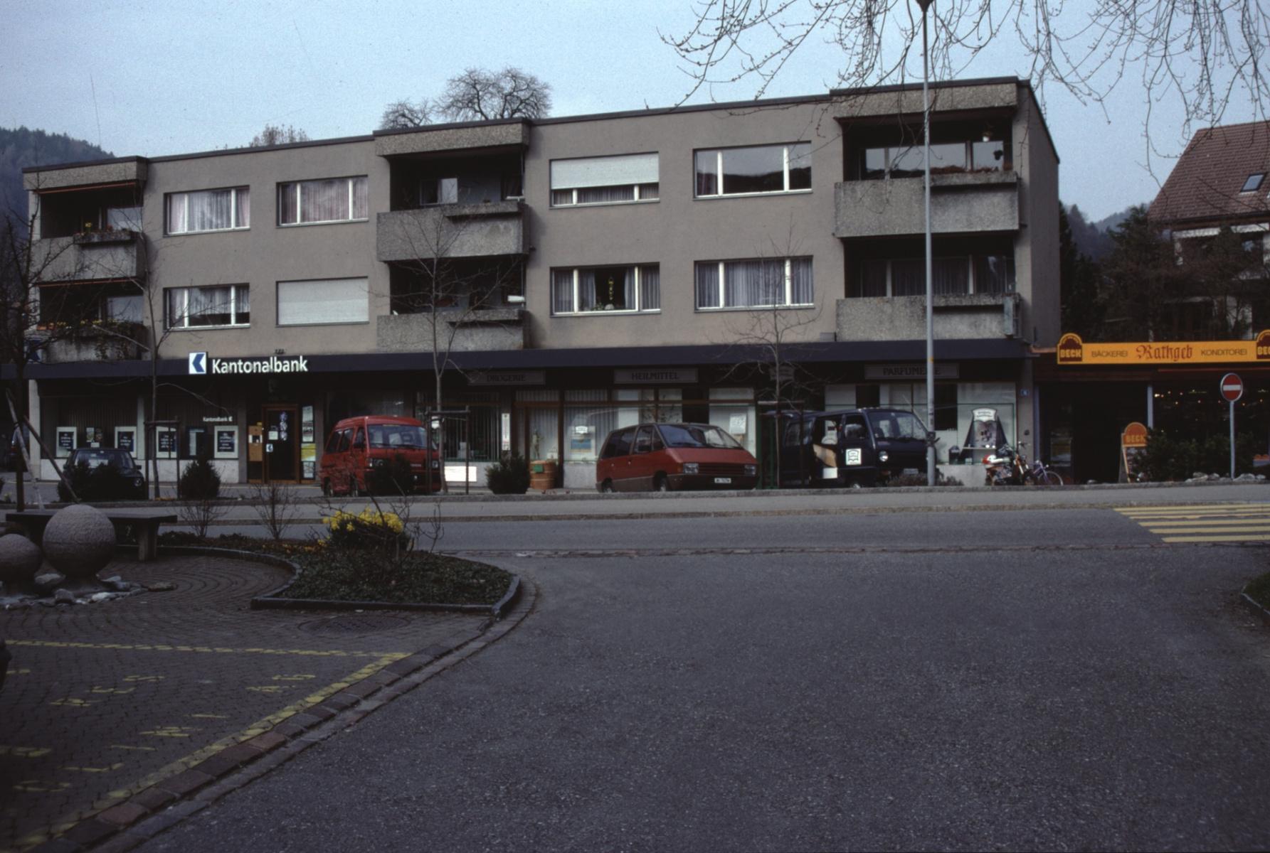Bahnhofstr, neue Läden (1995)