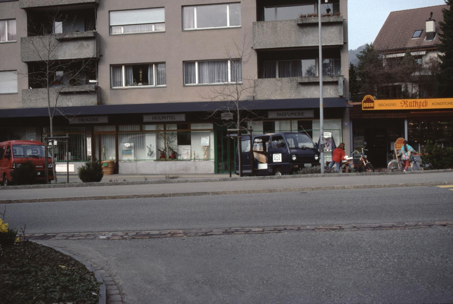 neu Drogerie Baumberger + Bäckerei Rathgeb