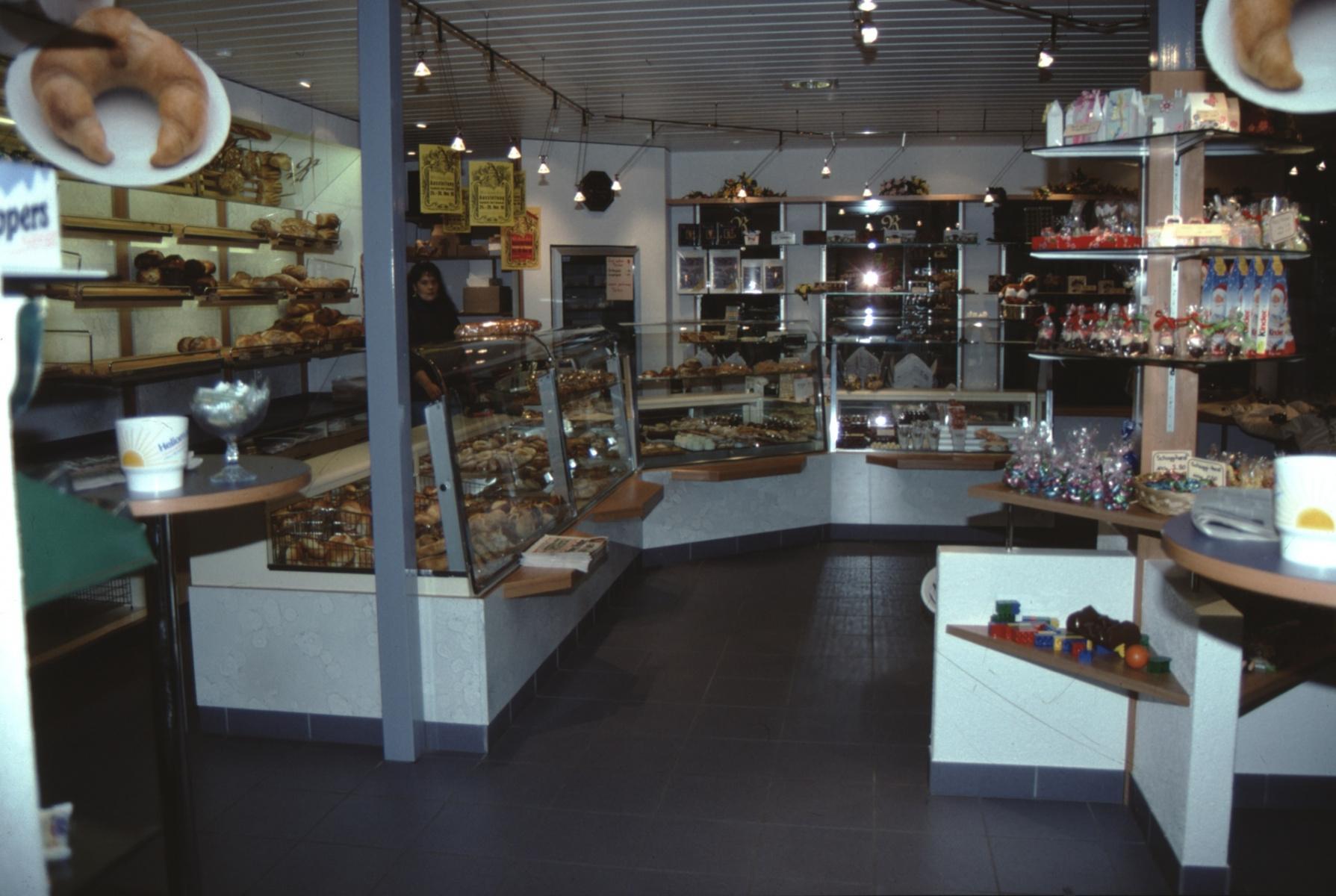 Bäckerei Conditorei Rahtgeg (Theke von der Seite)
