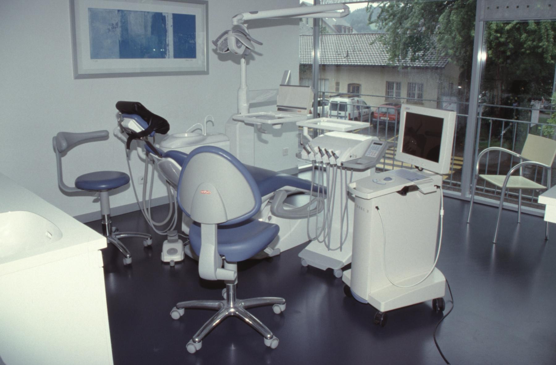 TdoT ,Schiff' im Bankgebäude, Zahnarztpraxis Dr. Weber