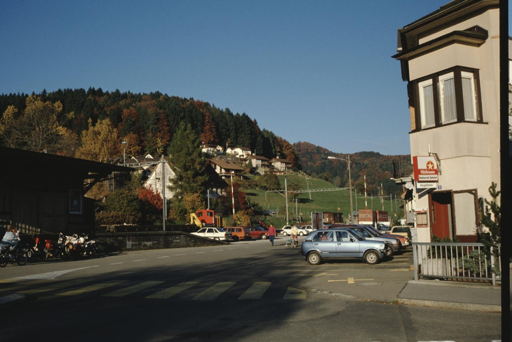 Bahnhofplatz und ,Resti'