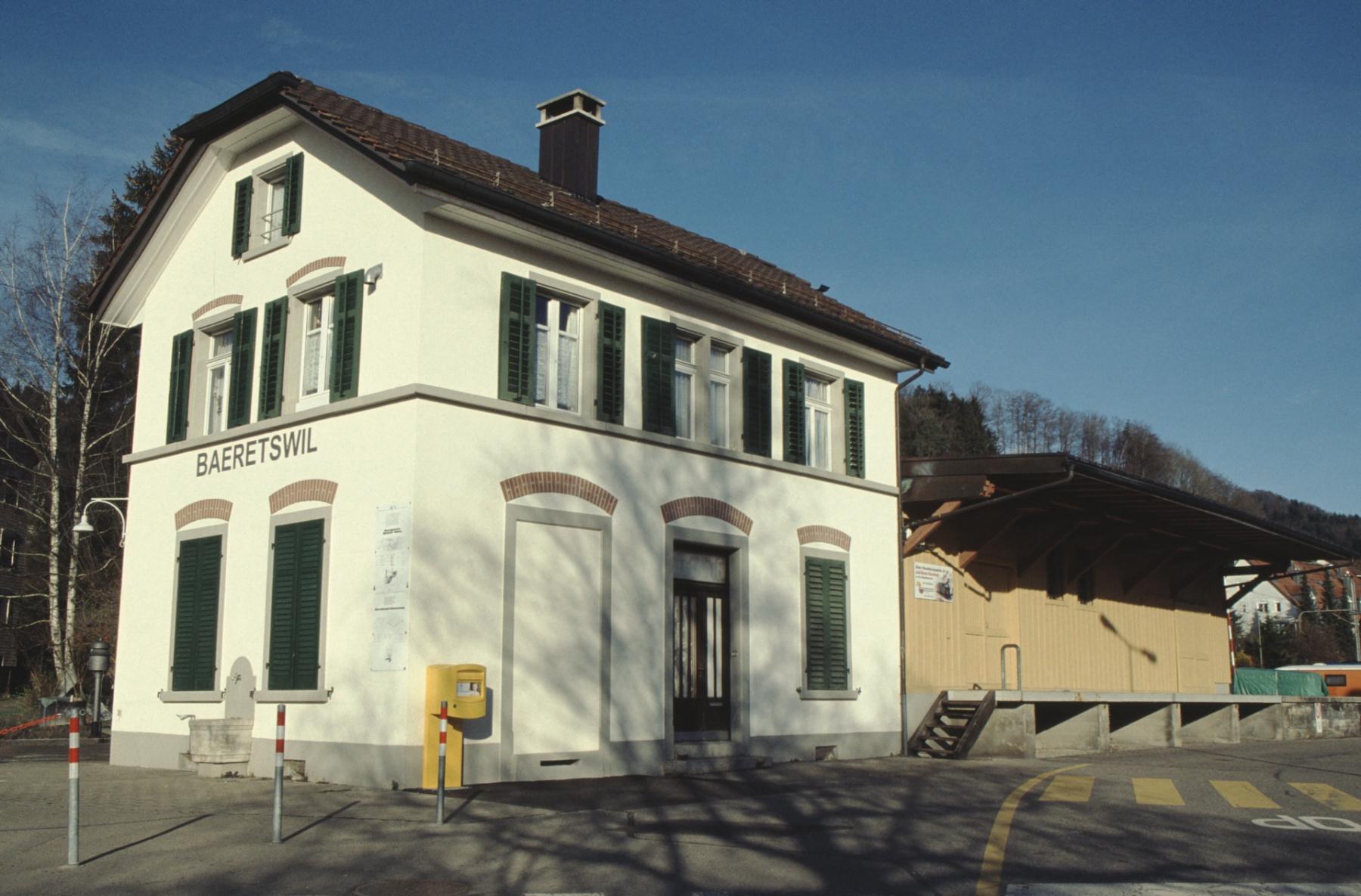 Bahnhof, ohne Billettautomat