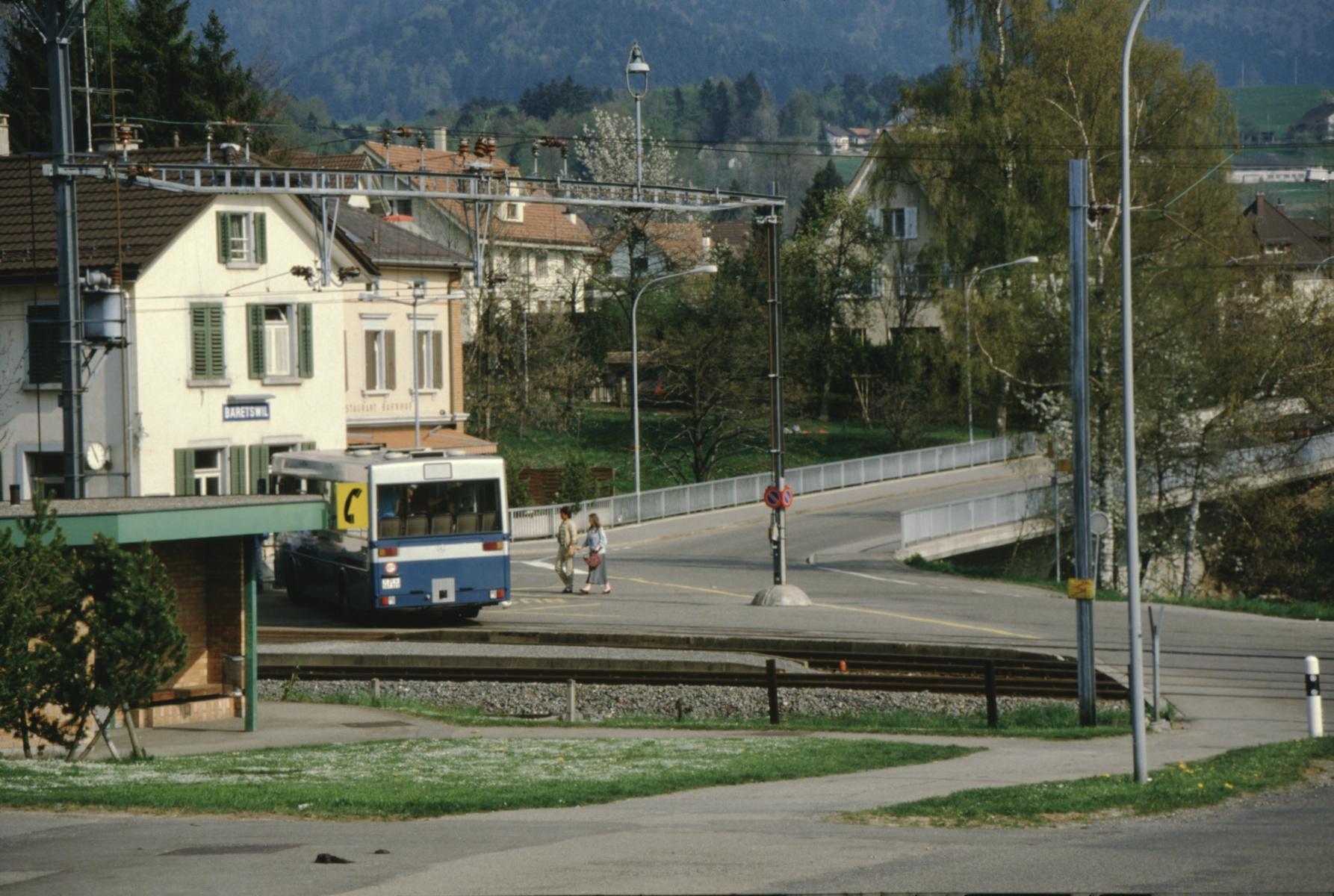 Bahnhof und VZO