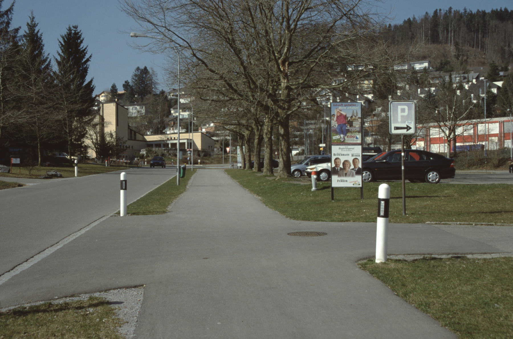 Ende Bahnhofstr., Blick Rtg. Lettenkreuzung mit kath. Kirche, Sek.Schulhaus