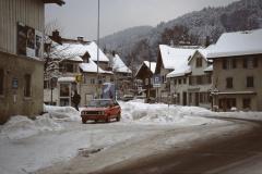 Dorfplatz, Beginn der Bahnhofstrasse (Winter)