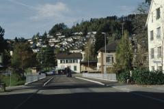 Bahnhofstr. mit  sanierter Bahnhofbrücke