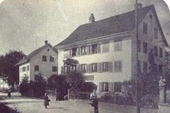 Haus neben Villa Spörri (Gde-Haus) später Läden Edith Spörri - Kirsch