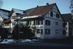 Dorfplatz-Schulstrasse Flarzhaus