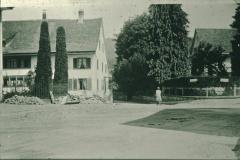 Dorfplatz-Schulstrasse Gde.Haus