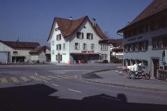 Dorfplatz. Bäretswil ohne den «Bären» mutet an wie Athen ohne Eulen.