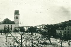 Ref. Kirche von der Baumastrasse aus. Der «schiefe Turm» ist schon seit mehr als 100 Jahren augenfällig. Julius Studer weiss bereits 1870, dass der Kirchturm ca. 1 Meter nach Norden hängt.
