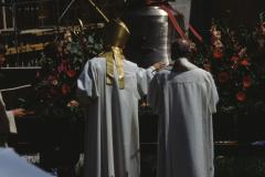 Kath. Kirche Glockenweihe Abt Ivo auf der Maur